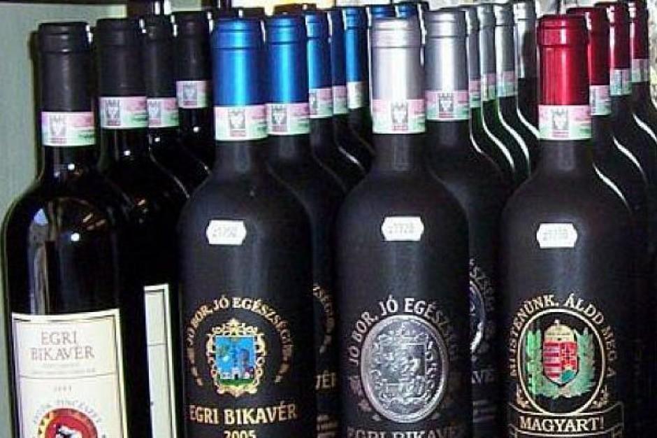 Polacy piją coraz więcej taniego wina. W winach droższych kryzys