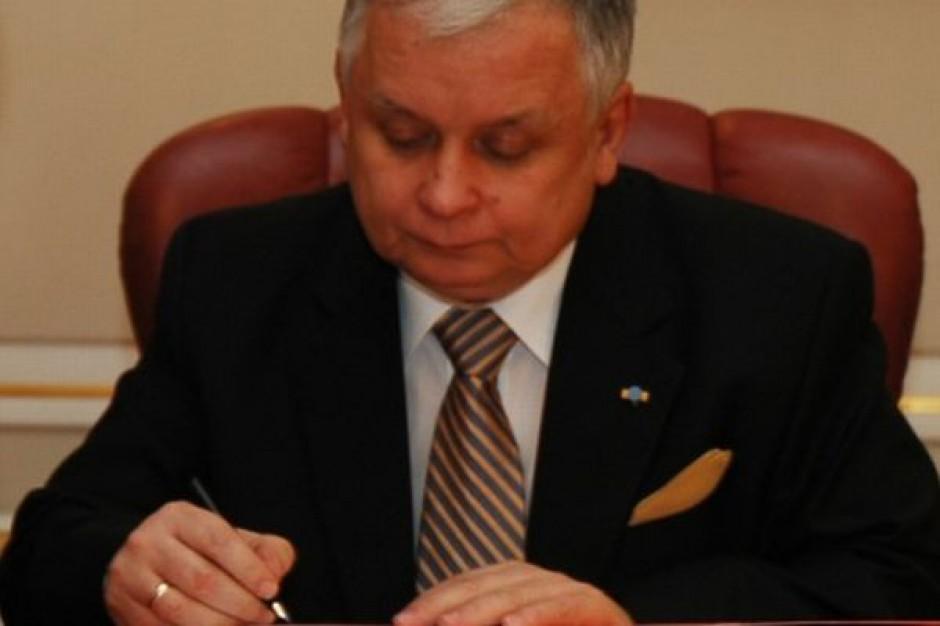 Prezydent podpisał ustawę hazardową, skieruje ją do TK