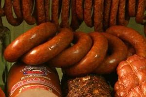 MSWiA zamawia tony mięsa i wędlin