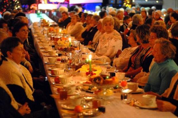 Żywność coraz droższa! Tegoroczne Święta będą Polaków kosztować o 3-5 proc. więcej niż przed rokiem