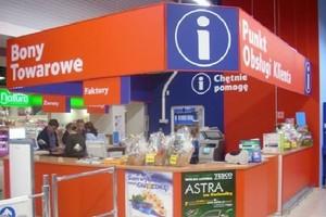 Zadłużeni klienci banków chcą brać kredyty w hipermarketach