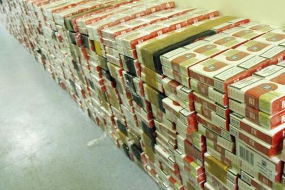 Polscy przemytnicy zaopatrzyli Europę w 12 mln nielegalnych paczek papierosów