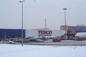 Ewakuowano hipermarket Tesco w Bydgoszczy. Śnieg na dachu groził zawaleniem