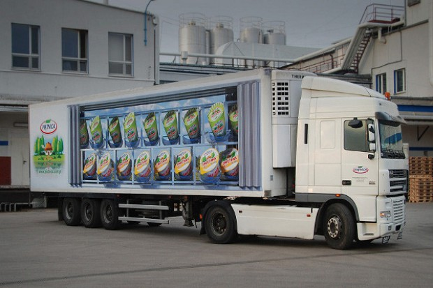 OSM Piątnica wprowadziła nową szatę graficzną floty dostawczej