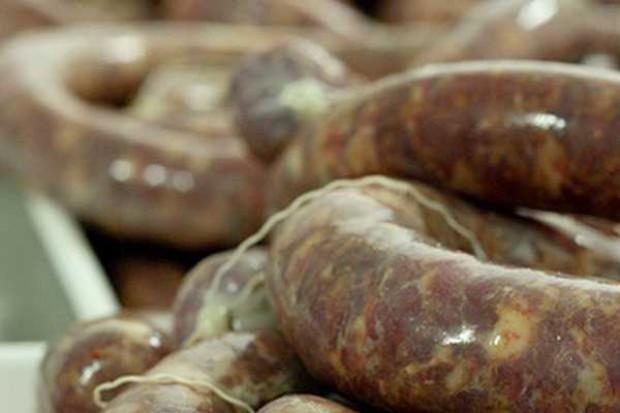 Branża mięsna będzie promować jedzenie kiełbasy. Wegetarianie zapowiadają protesty