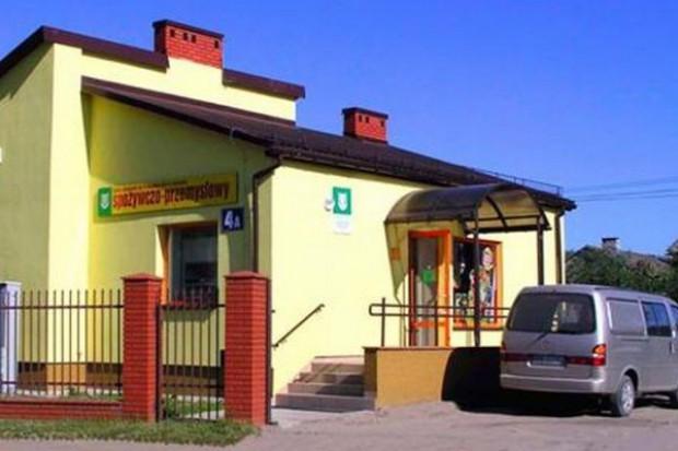 W 2009 r. liczba małych sklepów w Polsce spadła o 5,5 tys., zyskują sieci