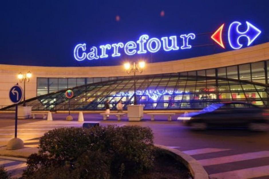 Masowe zwolnienia w Carrefourze, załoga strajkuje