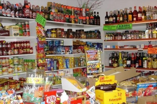 O 5 proc. spadną w tym roku obroty małych sklepów