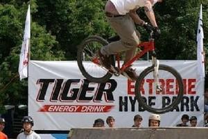 Tiger walczy o rynek napojów energetycznych poprzez Formułę 1