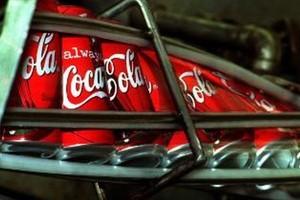 Napięta sytuacja w łódzkiej fabryce Coca-Coli. Związkowcy oskarżają koncern o szykany