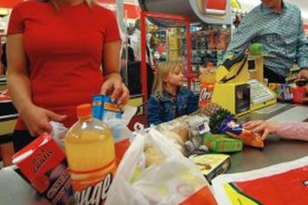 Polacy coraz mniej pieniędzy wydają na żywność a więcej na przyjemności