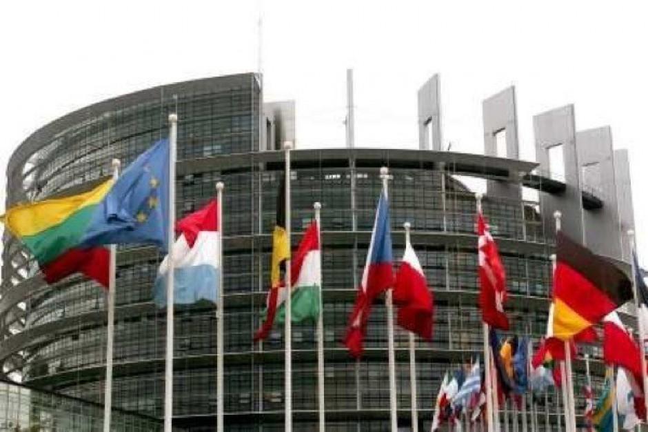 Europosłowie chcą rozprawy z niecnymi praktykami w łańcuchu mleka