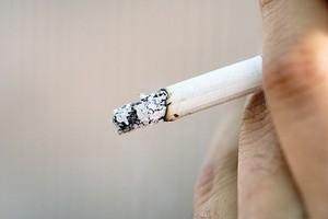 Będzie zakaz sprzedaży papierosów na lotniskach?
