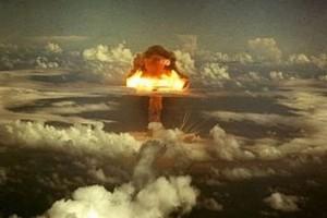 Premier do BBN: Nie podejmę decyzji, że się rozbroimy z naszych bomb atomowych