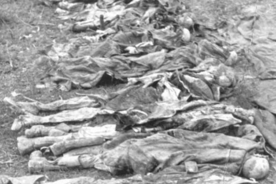 Rosjanie negują mord w Katyniu