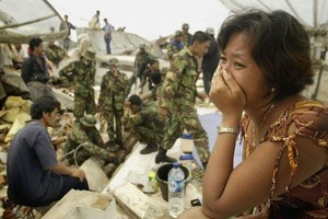 300 osób zginęło w wyniku trzęsienia ziemi w Chinach