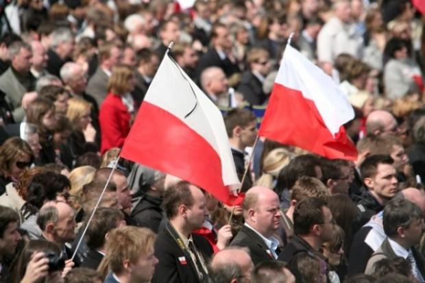 Trumny z ciałami Lecha i Marii Kaczyńskich opuściły Pałac Prezydencki