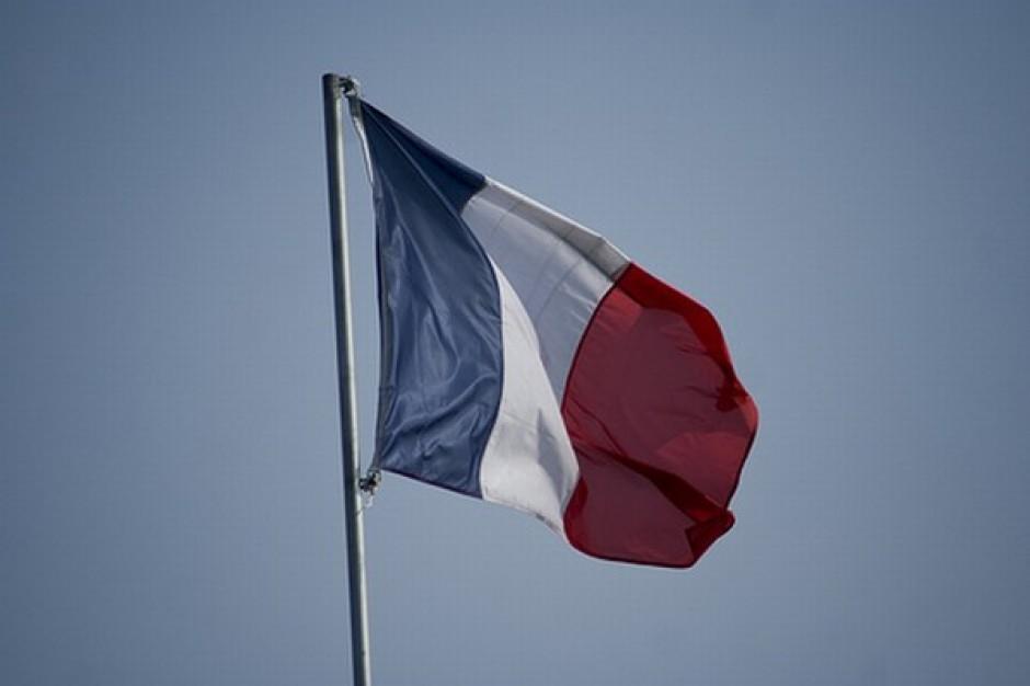 W dniu pogrzebu prezydenta RP opuszczono flagi we Francji
