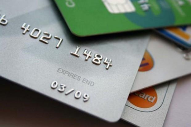 Jest szansa na mniejsze opłaty za płatności kartami w sklepach