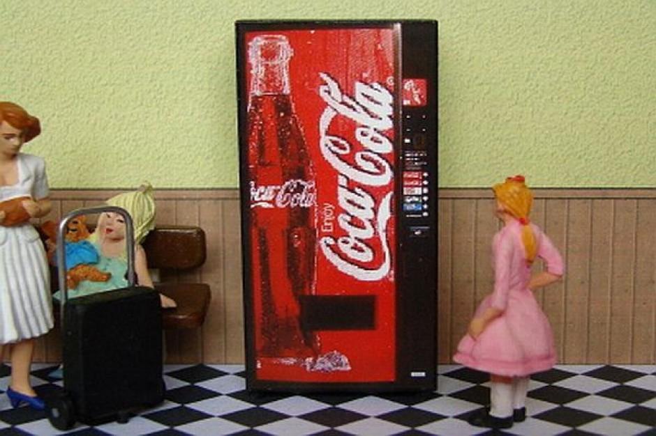 Coca-Cola powalczy o zyski freestyle'owym automatem