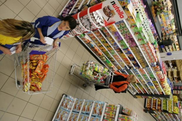Dzięki niższym cenom żywności inflacja spadła do 2,2 proc. r/r