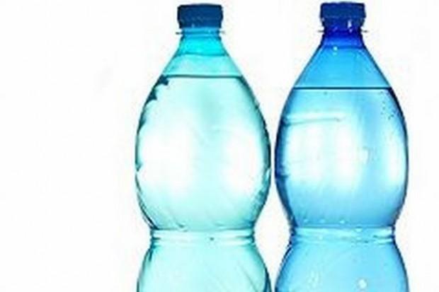 Wykryto bakterie w większości próbek butelkowanej wody