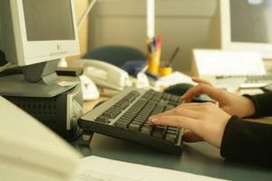 Tylko 25 proc. Polaków robi zakupy w internecie