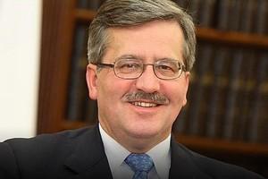 Bronisław Komorowski odwiedził Wawel, Kaczyński planuje podobną wizytę