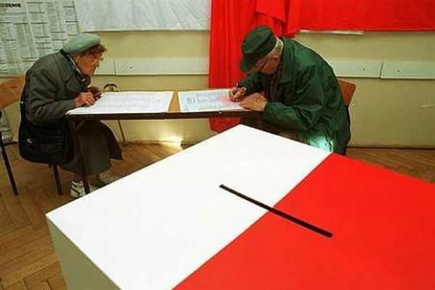 PKW: Wybory bez opóźnień, frekwencja 2,52 proc.
