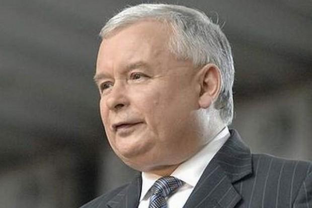 Kaczyński: Jeżeli Komorowski usunie krzyż, wiadomo kim jest