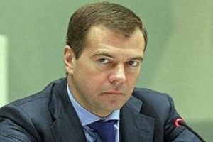 Miedwiediew: Rosja przez suszę straciła jedną czwartą zbóż