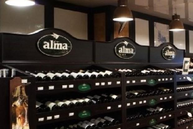 Alma Market zmniejszyła w pierwszym półroczu stratę netto z 18,1 mln zł do 8,7 mln zł
