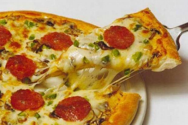 Padł rekord w Krakowie - najdłuższa pizza na świecie
