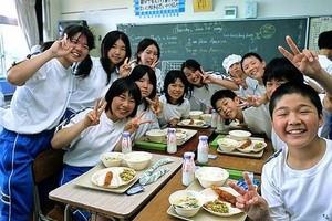 Mięso wieloryba w jadłospisie tysięcy japońskich stołówek szkolnych