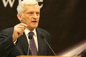 UE: Buzek namawia opozycję białoruską do jedności przed wyborami