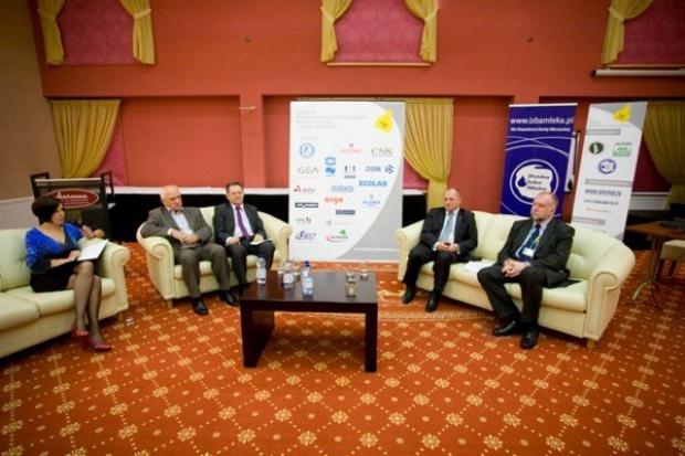 Minister rolnictwa: Za kwotę mleczną wprowadzona zostanie inna forma regulacji