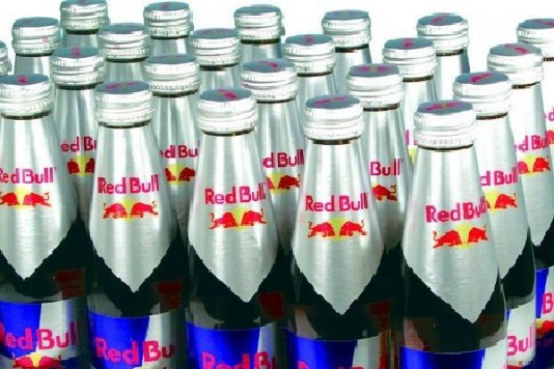 Napoje Red Bull chcą podbić rynek telefonii komórkowej