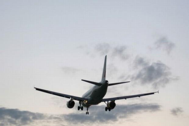Studentka z Malediwów urodziła w samolocie