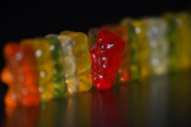 Unia Europejska naciska producentów żywności ws. ograniczeń dot. sztucznych barwników
