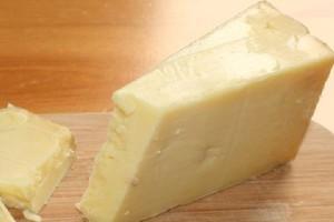 Irlandzki rząd rozda swoim obywatelom darmowy ser za 750 mln euro