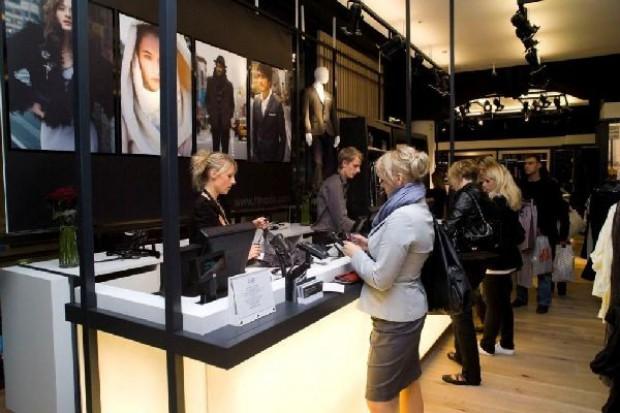 Sieć Tesco otworzyła pierwszy sklep modowy marki F&F