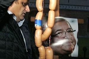 Duża firma mięsna pozwie do sądu Janusza Palikota? GK MAT:  Jesteśmy oburzeni!