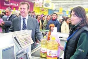 Pracował w polskim Tesco, a teraz zostanie dyrektorem operacyjnym w sieci Wal-Mart