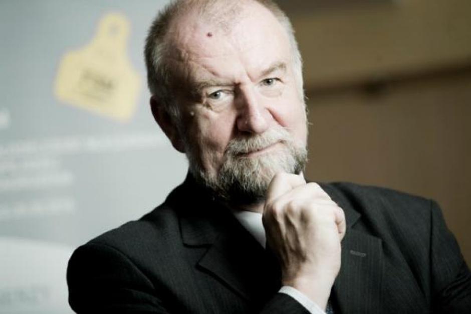 Prof. Babuchowski: Po zniesieniu kwot KE chce nadal ograniczać produkcję mleka