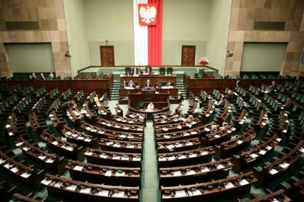 Sejm: Na listach wyborczych minimum 35 proc. kobiet