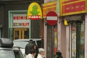 Tesco przejmuje ok. 100 sklepów sieci Żabka
