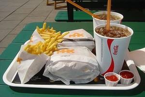 Sprzedaż w fast foodach rośnie także w kryzysie