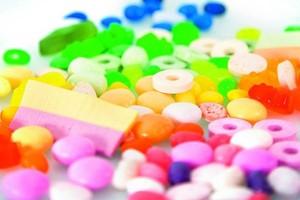 Rośnie zapotrzebowanie na funkcjonalne i bezcukrowe dodatki do cukierków