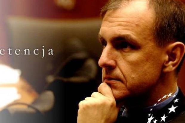 Minister obrony zostaje na stanowisku szefa MON