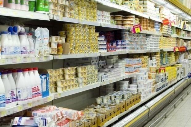W ciągu roku butelki PET zdrożały o ponad 60 proc. Producenci żywności podniosą ceny